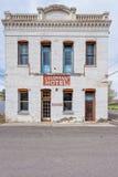 11 de mayo de 2015, hotel de la columnata en la comunidad anterior de la explotación minera de Imagen de archivo