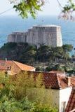 3 de mayo de 2019, Dubrovnik, Croacia Puerto viejo de la ciudad Lovrijenac imagenes de archivo