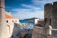 3 de mayo de 2019, Dubrovnik, Croacia Puerto viejo de la ciudad foto de archivo libre de regalías