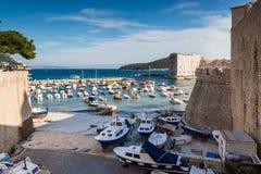 3 de mayo de 2019, Dubrovnik, Croacia Puerto viejo de la ciudad fotos de archivo libres de regalías