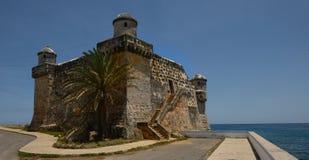 2 de mayo de 2017 La Chorrera, fuerte de Y Cojimar en el mar de Cuba Imágenes de archivo libres de regalías