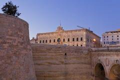 De medeltida stadsväggarna av La Valletta, Malta Royaltyfri Bild