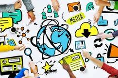 De Media van diversiteits het Toevallige Mensen Concept van de Technologiebrainstorming stock foto