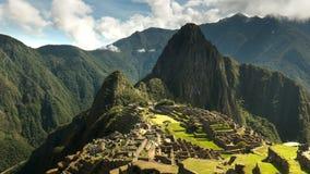 De medio tijdspanne van de ochtendtijd die van Machu Picchu in Peru wordt geschoten stock videobeelden