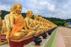 De meditatiestandbeeld van Boedha in Thailand Stock Fotografie