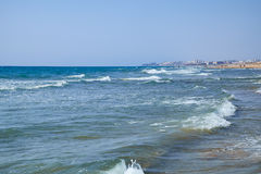 De Mediterrane kust met zandig strand Guardamar del Segura, Spanje Stock Foto