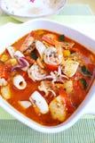 De mediterrane soep van de zeevruchtenhutspot Stock Afbeeldingen