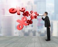 De megafoon van de mensengreep met percentagetekens die uit bespuiten Stock Foto's