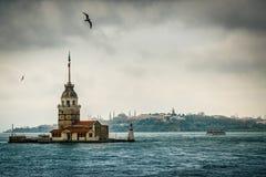 De Meisje` s Toren, Bosphorus, Istanboel, Turkije royalty-vrije stock foto