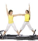 De meisjes doen pilates Stock Afbeelding