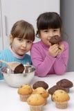 De meisjes van cakes. Stock Afbeeldingen