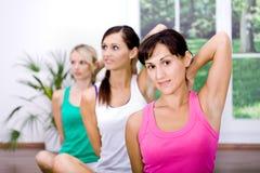 De meisjes van de aerobics Stock Afbeelding