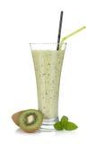 De melk van de kiwi smoothie met munt Stock Afbeeldingen