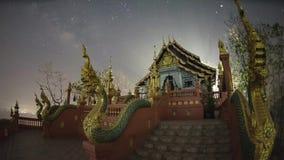 De Melkwegstijging boven Tempel stock footage