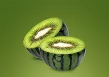 De meloen en de kiwi van het water binnen Royalty-vrije Stock Foto's