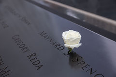 9/11 de memorial com close up dos nomes Fotografia de Stock Royalty Free