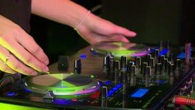 De mengeling van DJ stock video