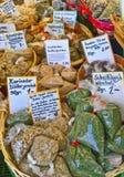 De mengeling van exotische kruiden verkoopt bij markt Royalty-vrije Stock Foto's