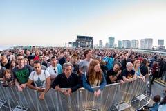 De menigte let op een overleg bij het Correcte 2015 Festival van Primavera op 27 Mei, 2015 in Barcelona, Spanje Stock Fotografie