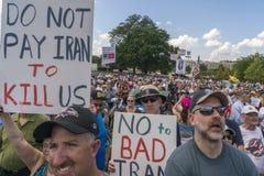 De menigte protesteert de Overeenkomst van Iran bij U S capitol stock afbeelding