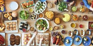 De Menigte van de brunchkeus het Dineren Voedselopties die Concept eten royalty-vrije stock afbeeldingen