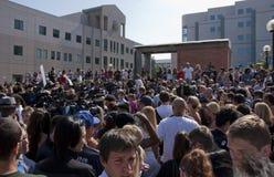 De menigte verzamelt zich om Michael Jackson te herinneren Stock Afbeelding