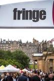 De menigten genieten van het jaarlijkse de randfestival van Edinburgh stock afbeeldingen