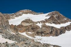 De mening aan Vincent Pyramid zet en Bors-gletsjer in Monte Rosa-mas op stock foto
