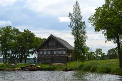 De mening Karelië Rusland van het Kizhieiland stock foto