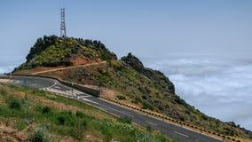 De mening neer over de wolken van hellingen van Pico  stock footage