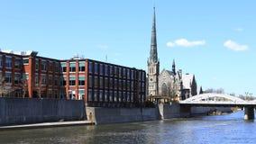 De mening van Cambridge, Canada door de Grote Rivier, timelapse 4K stock videobeelden