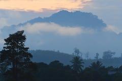 De mening van de berg in de ochtend Stock Afbeeldingen