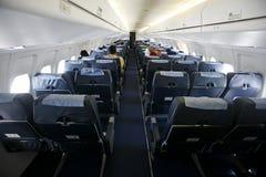 De mening van de cabine van zetels op vliegtuig Royalty-vrije Stock Fotografie