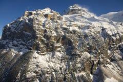 De mening van de de winterberg in Bernese Oberland, Zwitserland Stock Foto's