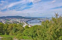 De Mening van de heuveltop van Buda en Ongedierte Stock Afbeeldingen