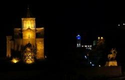 De mening van de nacht aan de oude stad van Tbilisi Royalty-vrije Stock Afbeelding