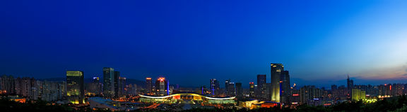 De mening van de nacht van Burgerlijk Centrum Shenzhen Royalty-vrije Stock Afbeeldingen