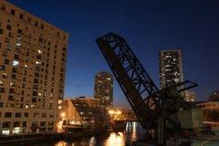 De nachtmening van de Rivier van Chicago Royalty-vrije Stock Fotografie