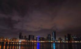 De Mening van de nacht van Doubai Stock Foto