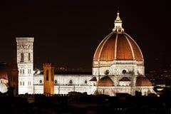 De mening van de nacht van Florence Duomo royalty-vrije stock foto's