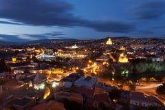 De mening van de nacht van Tbilisi, Georgië. Stock Afbeelding