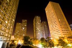 De Mening van de nacht van Wolkenkrabbers in Parijs. Stock Foto's
