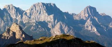 De mening van de ochtend van Karnische Alpen Stock Foto
