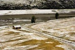 De mening van de sneeuw van tibetan dorp bij shangri-La China Royalty-vrije Stock Fotografie