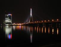 De mening van de stad bij nacht Royalty-vrije Stock Foto