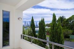 De mening van de stad van balkon stock foto