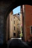De mening van de straat in dorp van de Provence, Frankrijk Stock Fotografie