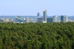 De mening van de Vilniusstad van Neris-rivierraad in Lazdynai-district stock foto's