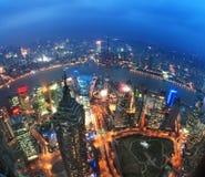 De mening van de vogel in Shanghai China Wolkenkrabber in aanbouw in voorgrond Stock Afbeeldingen