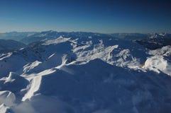 De mening van de winter vanaf de bovenkant van de berg Stock Fotografie